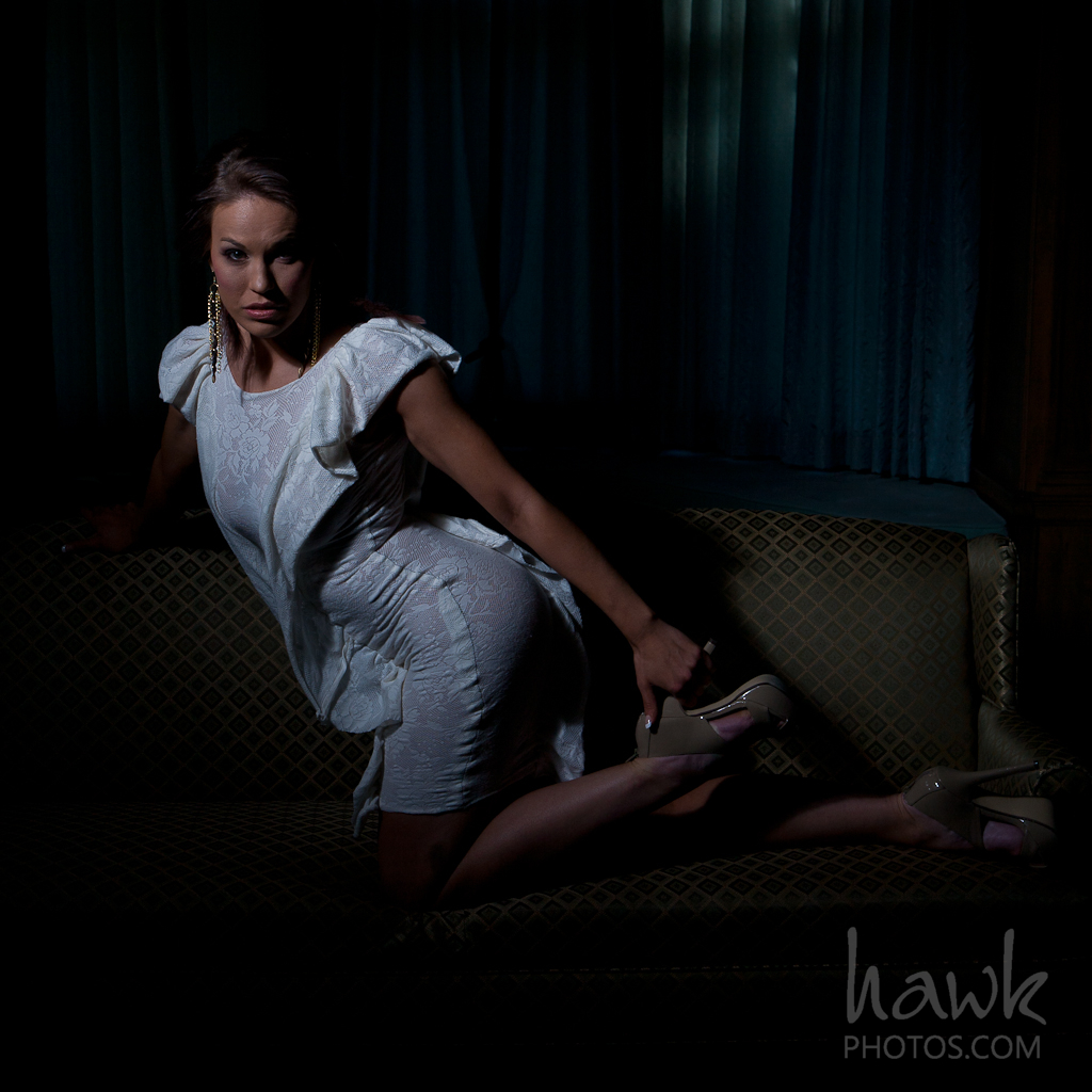 IMAGE: http://hawkphotos.com/wp-content/uploads/2012/02/IMG_0193.jpg